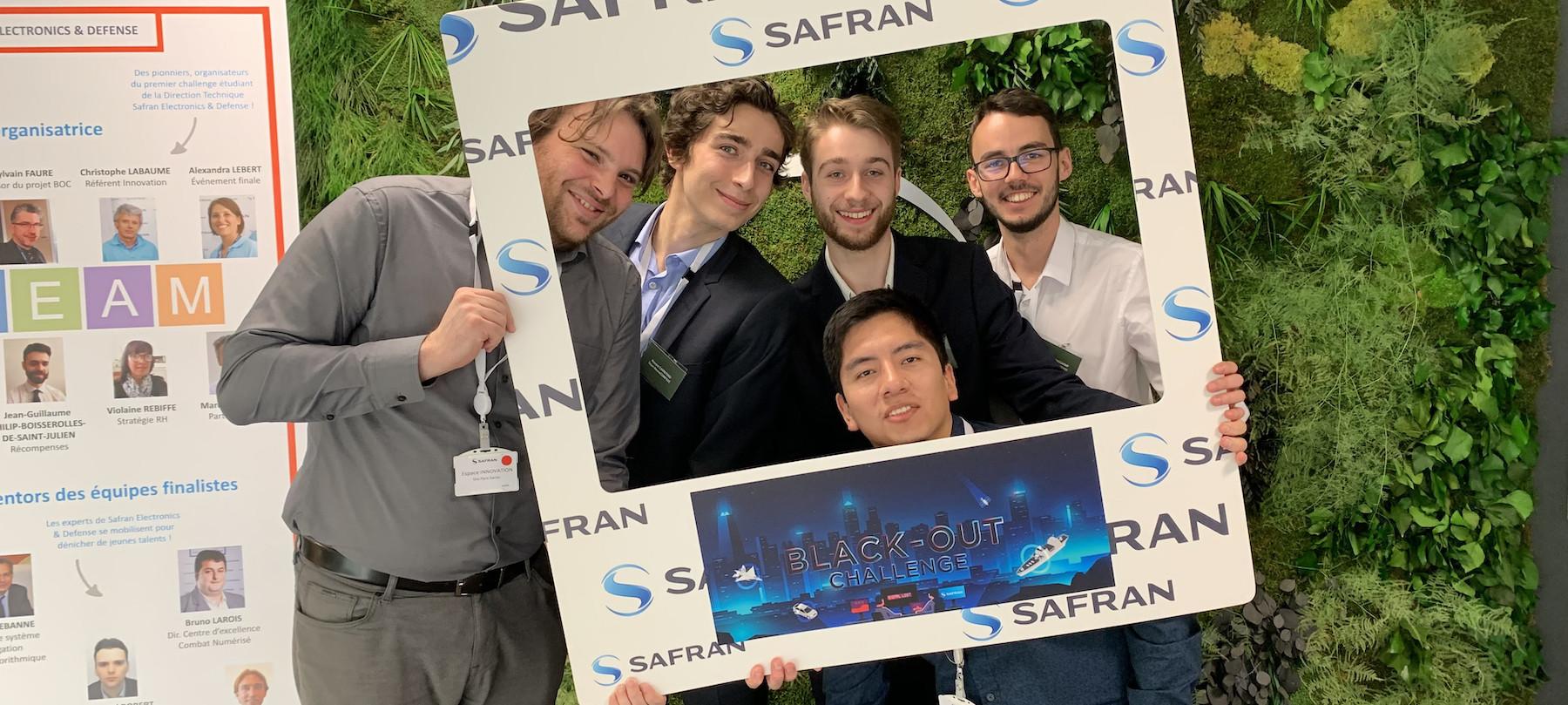 Des Ensmatiques finalistes du Black-Out Challenge de Safran